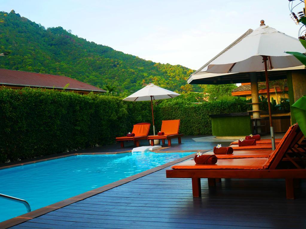 Бассейн отеля Eazy Resort Kata Beach 3*