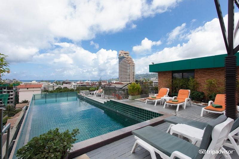 Бассейн на крыше отеля APK Resort & Spa 3*, Пхукет