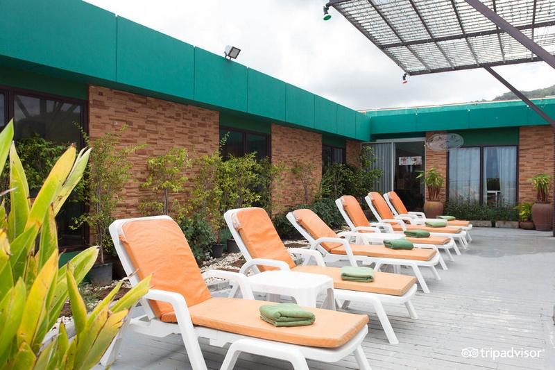 Отель APK Resort & Spa 3*: терраса для загара