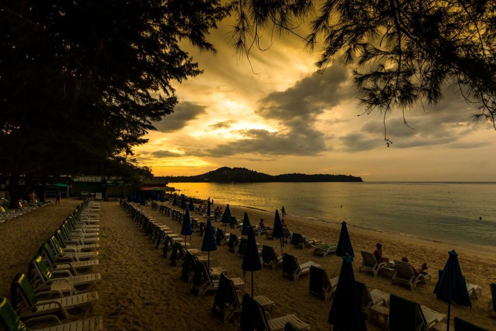Пляж отеля Амора Бич Резорт, Пхукет