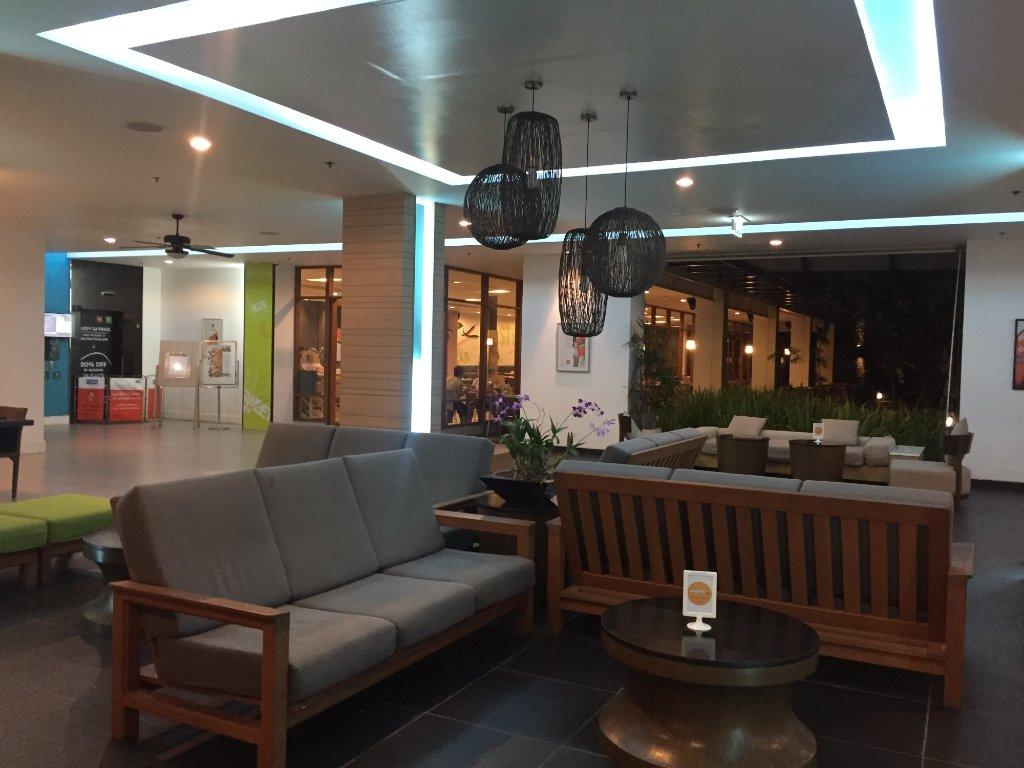 Отель Ибис Пхукет Ката 3*, лобби