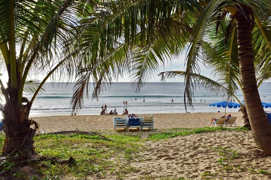 Пляж Карон рядом с Karon Princess Hotel 3*