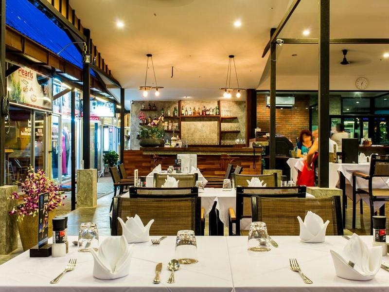 Nai Yang Beach Resort and Spa 4*, ресторан