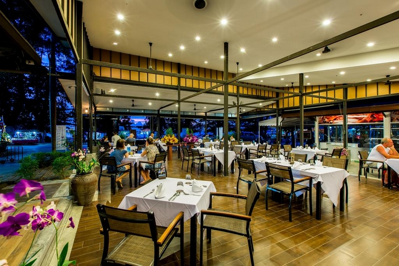 Ресторан The Sands, Nai Yang Beach Resort and Spa 4*