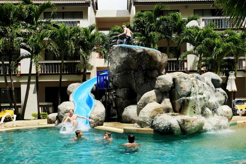 Территория отеля Centara Kata Resort Phuket 4*