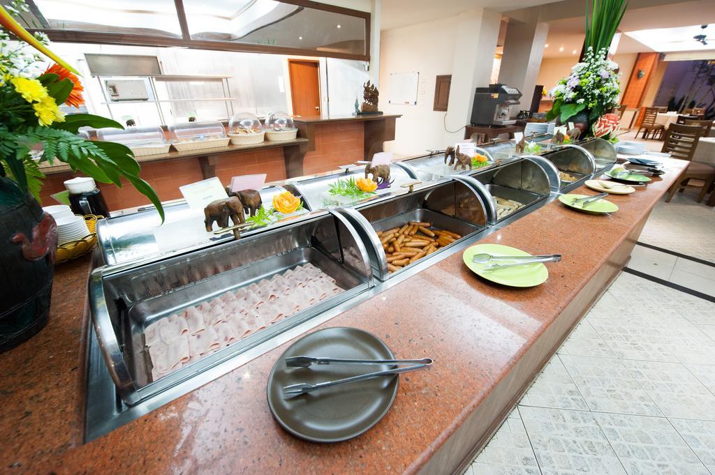 Завтрак в отеле Пинакл Гранд Джомтьен Паттайя