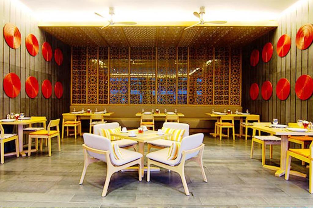 Ресторан отеля Велком Ворлд Резорт в Паттайе