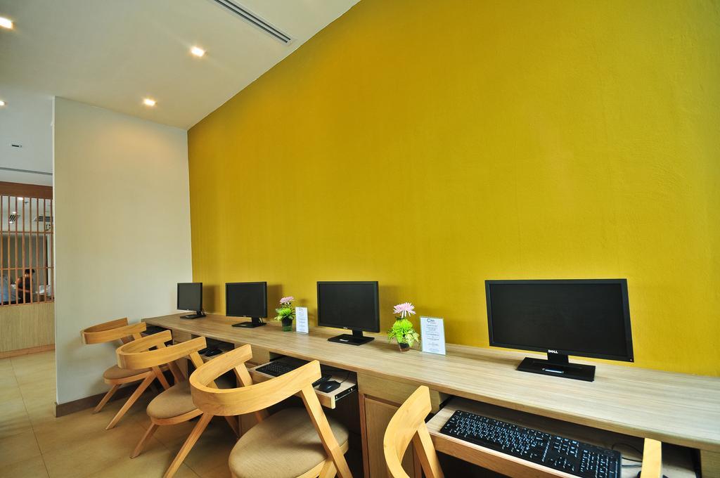 Интернет уголок в отеле The ASHLEE Plaza Patong Hotel & Spa 4*