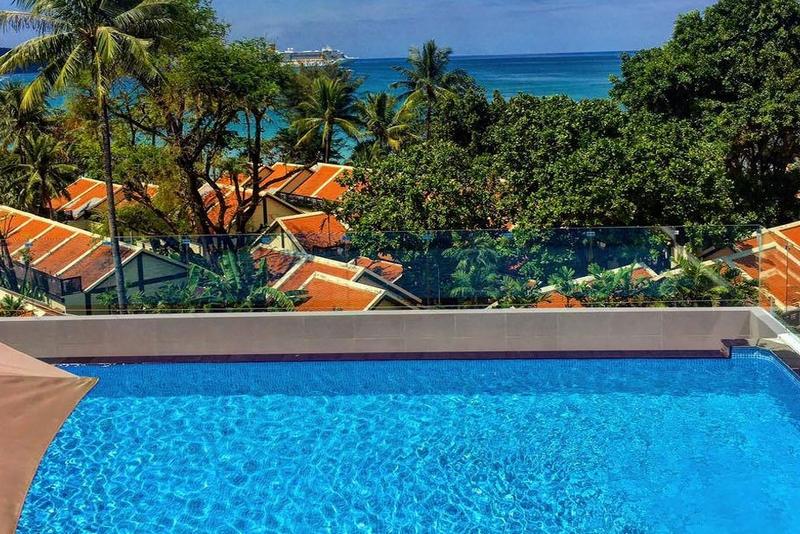 Отель Araya Beach Hotel Patong 4*, бассейн