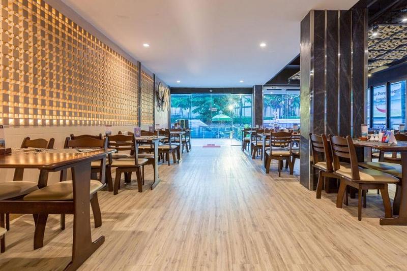 Отель Araya Beach Hotel Patong 4*, ресторан