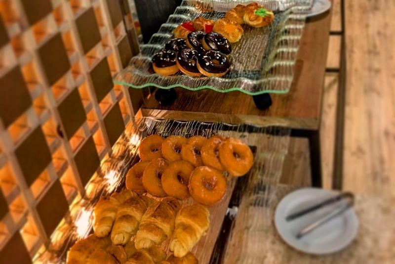 Отель Арая Бич Патонг 4*, завтрак