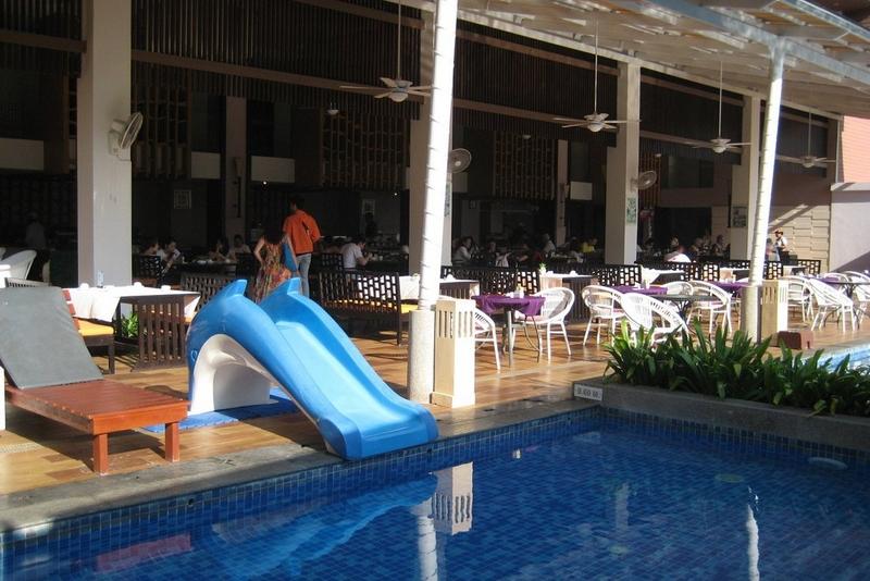 Отель Peach Blossom Resort 4*, детская горка