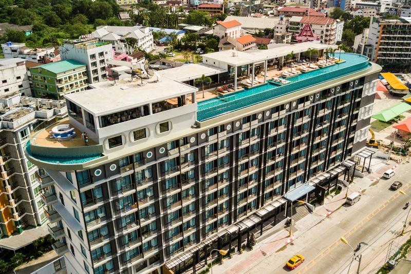 Территория отеля The Marina Phuket Hotel 4*