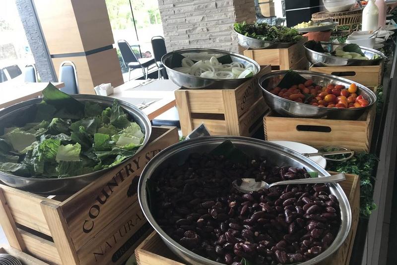 Примерный перечень блюд на завтрак в Марина Пхукет Отель