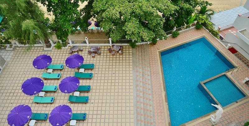 Территория отеля Tri Trang Beach Resort 4*, Пхукет