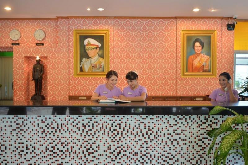 Отель Три Транг Бч Резорт 4*, лобби