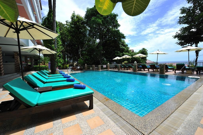 Отель Tri Trang Beach Resort 4*, бассейн