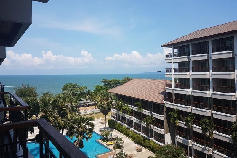 Вид из отеля Велком Ворлд Бич Резорт на пляж