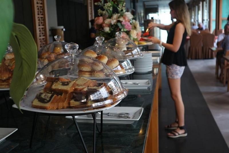 Завтрак в отеле Велком Ворлд Бич Резорт 5*